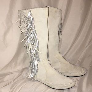 ALDO all off white Suede w/silver fringe boots s39